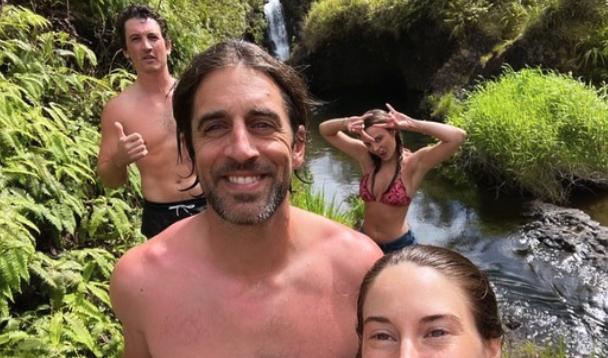 Aaron Rodgers Hawaii vacation