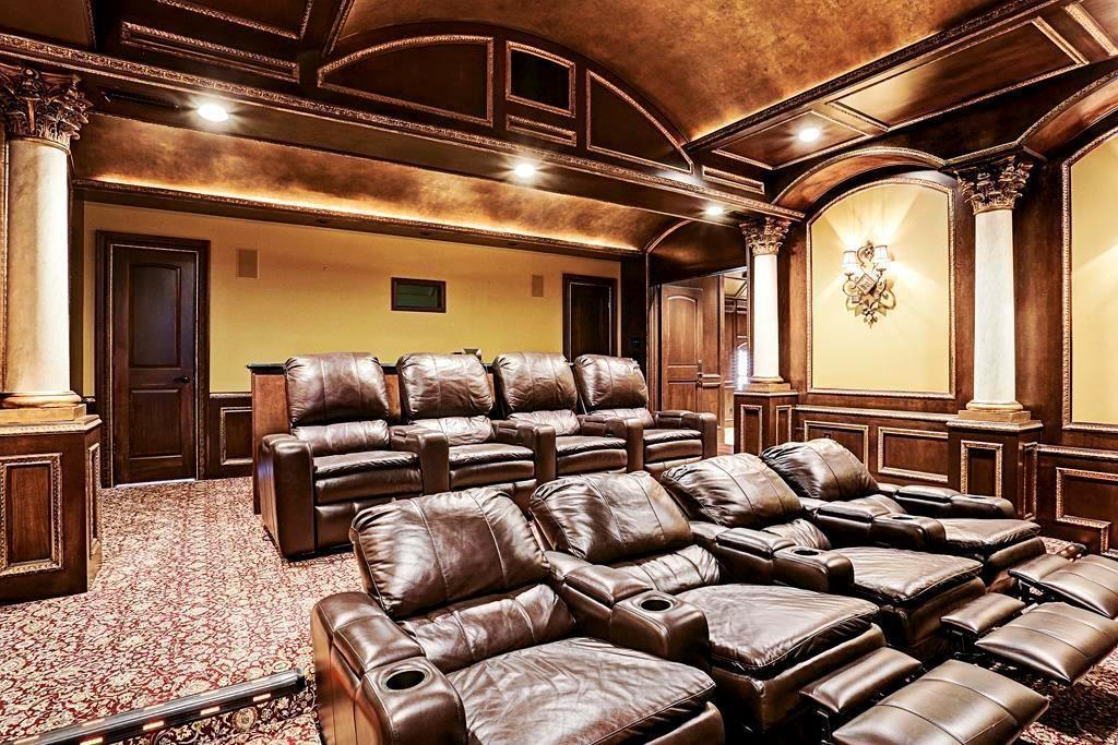 Adrian Peterson house - 6