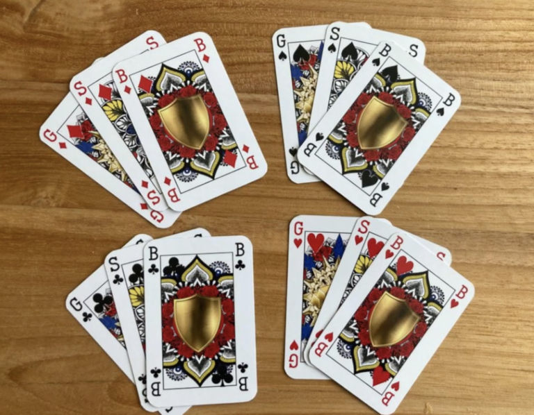 Gender-neutral playing cards