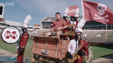 Mike Leach bandwagon hype video